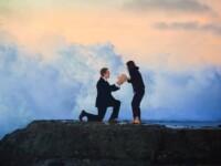 VIDEO. Cererea in casatorie pe care a stricat-o un val. Ce s-a intamplat cu inelul de logodna
