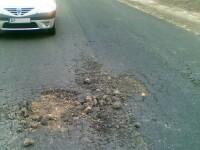 Doua drumuri judetene din Arad arata ca dupa razboi. Motivul pentru care nu mai sunt accidente