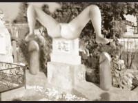 Monumentul funerar indecent intr-un cimitir din Brasov. Cum s-a razbunat un barbat pe sotia infidela