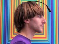 Un artist britanic AUDE culorile cu ajutorul unui dispozitiv pe care il are implantat in cap