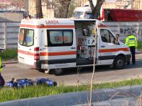 Sfarsit cumplit pentru un motociclist din Timisoara. S-a speriat de politie si s-a izbit cu motorul de un copac