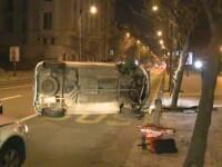 Accident inexplicabil in centrul Capitalei. O femeie si-a rasturnat masina: