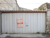 A renovat un garaj abandonat si l-a transformat intr-o locuinta de vis. Cum arata interiorul luxos al noului apartament: FOTO