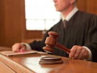 Trei judecatori britanici au fost demisi dupa ce au vizionat filme pentru adulti de pe calculatoarele de serviciu