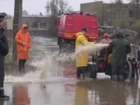 COD GALBEN de inundatii. Ploile au facut prapad la periferia Galatiului: oamenii dau vina pe canalizare