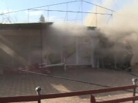 Magazin alimentar din Ploiesti, cuprins de flacari. Ce a provocat incendiul care a distrus mobilierul si marfa