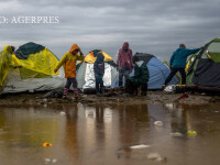 Merkel, nemultumita de inchiderea rutei balcanice a migrantilor. Tarile prin care ar putea ocoli refugiatii