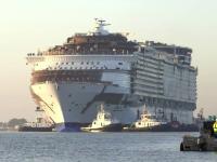 Armonia Marilor, vaporul de un miliard de euro. Cum arata cel mai mare vas de croaziera din lume
