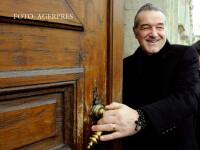 Gigi Becali vrea sa doneze un milion de euro notaritei care l-ar fi pacalit cu actele in afacerea