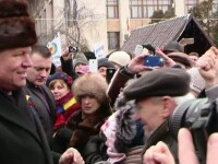 Traian Basescu, ales din nou presedinte... de partid. O gluma despre caciula lui Klaus Iohannis a starnit hohote de ras