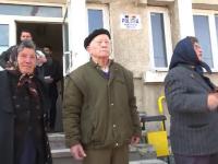 Metoda prin care un escroc a reusit sa pacaleasca zeci de pensionari sa-i