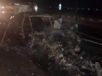Panica pe DN1, dupa ce o masina a luat foc in timpul mersului. Flacarile ar fi fost provocate de un scurt circuit
