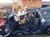 Tragedie in Arges dupa ce o masina si un TIR s-au izbit violent intr-o curba. Doi oameni au murit