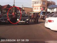 Sofer batut pentru un loc de parcare in Bucuresti. Un utilizator www.stirileprotv.ro a surprins imaginile in trafic. VIDEO