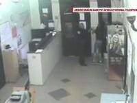 Ancheta la Politia Locala Cernavoda dupa aparitia unor imagini care suprind un angajat lovind un tanar in sediul institutiei