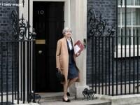 Mobilizarea tinerilor la alegeri a costat-o pe Theresa May majoritatea in Parlament. Ce incearca acum partidul ei