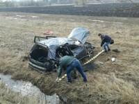 Șofer din Bistrița, accident ca o cascadorie din cauza mobilului. Trei persoane, la spital