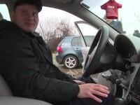 Un tânăr în scaun cu rotile a reușit să ia permisul, la Târgu Jiu. Pe ce maşină a mers