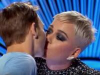 """Katty Perry a sărutat un concurent la """"American Idol"""". Cântăreața, aspru criticată. VIDEO"""