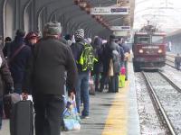 Întârzieri de sute de minute, din cauza vremii. CFR va anula marți 11 trenuri