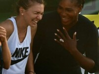Simona Halep, fotografie de colecţie alături de Serena Williams. Fanii, extrem de încântaţi. FOTO