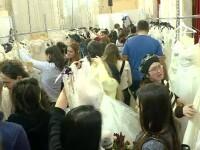 Târgul de nuntă din Capitală unde rochiile de mireasă au costat căteva zeci de lei