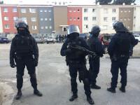 Alertă în Franța, unde o femeie s-a baricadat într-o bancă şi ameninţă că va arunca în aer clădirea