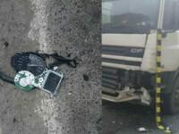 Accident mortal pe Valea Oltului. Un motociclist a intrat într-un TIR