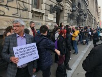 Peste 100 de profesori și studenți de la Litere și Filosofie au protestat față de OUG 7