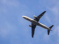 """Motivul pentru care un pasager a vrut să sară din avion. """"A deschis ușa de urgență"""""""