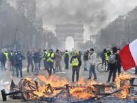 """Scene de război în Paris, la un nou protest al """"vestelor galbene"""""""