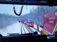 Planul Roșu activat la Iași, după ce un microbuz cu 21 de persoane s-a răsturnat