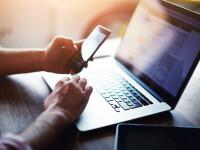 Taxele pentru permis auto şi paşaport vor putea fi plătite online