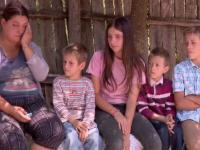 Copiii din România, cei mai supuşi riscului de sărăcie din UE