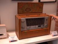 """iLikeIT. În 2020, """"retro este cool"""": televizoare din 1945, radiocasetofoane și tonomate cu vinyl-uri"""