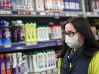 Speculanții profită de criza coronavirusului. Produsul care se vinde de 6 ori mai scump
