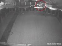 VIDEO Bărbat, bătut de un echipaj de Poliție. Cum au fost dați de gol agenții