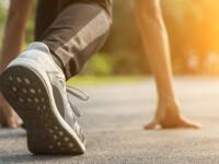 Un bărbat a alergat un maraton în grădina casei sale. Ce distanță a parcurs