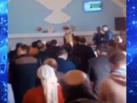 Slujbă filmată la Galați: Zeci de adulți și copii încalcă regulile impuse de autorități