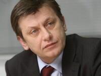 Crin Antonescu: Nu avem nevoie de un premier ce se maimutareste pe scena