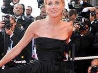 Angelina Jolie, eclipsata de Sharon Stone la Cannes!