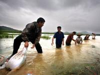Inundatii devastatoare in China: 75 de morti si sute de mii de sinistrati