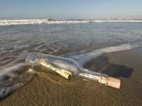 A gasit o felicitare trimisa intr-o sticla aruncata in mare! Dupa 16 ani!