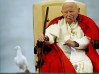 Sangele si parul Papei Ioan Paul al II-lea, expuse la Vatican