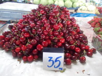 Cum au devenit ciresele un lux. Un kilogram costa chiar si 40 de lei in pietele din Timisoara