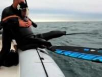 VIDEO. Un barbat fara maini si picioare a traversat inot Oceanul Pacific, uimind intreaga lume