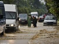 Situatie critica in judetul Bihor. Apele au acoperit drumul judetean dintre Salonta si Tulca
