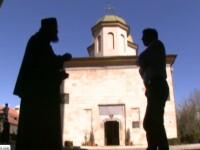 Manastirea Negru Voda, din Campulung Muscel. Are unul dintre cele mai inalte turnuri de clopotnita din Romania - 35 de metri