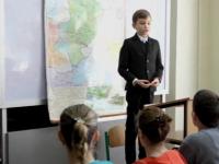 Vitalie, copilul geniu din Ucraina. La 3 ani citea, la 9 ani a ajuns profesor universitar