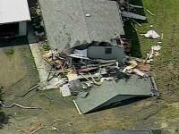 Un barbat a demolat la furie casele vecinilor sai cu un buldozer. Motivul i-a uimit pe politisti